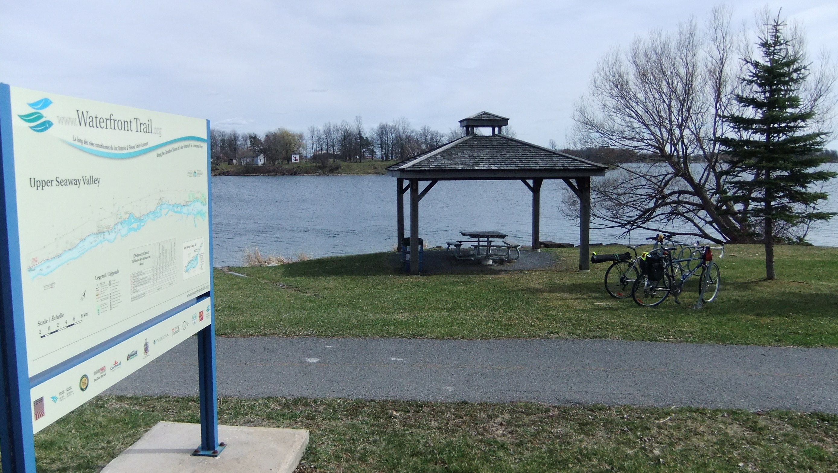 Picnic shelter, bike rack, and Waterfront Trail map